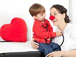 Kind und Ärztin